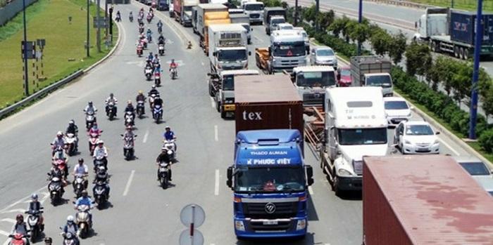 Phí bảo trì đường bộ là khoản phí bắt buộc chủ xe phải đóng khi tham gia giao thông