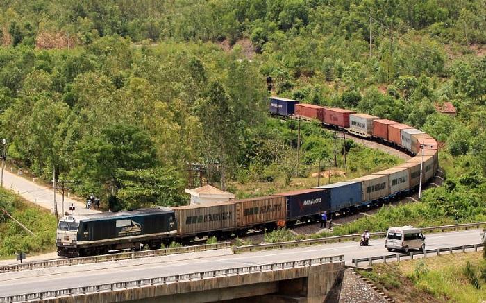 Ưu nhược điểm của vận tải đường sắt-1