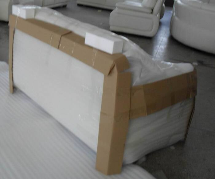 Tùy chủng loại bàn ghế, cách đóng gói có nhiều khác biệt